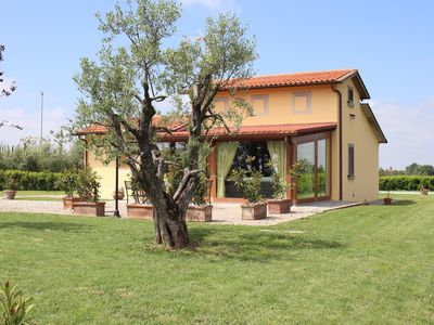 Photo for Beautiful private villa with private pool, WIFI, A/C, TV, panoramic view, parking, close to Cortona