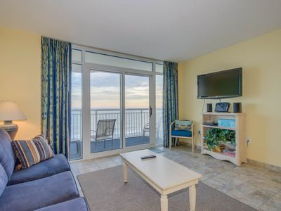 Photo for Oceanfront corner unit, great resort, tons of pool amenities (in tower 2)