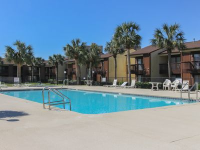 Photo for Beachy townhome w/ shared pool, tennis, & shuffleboard