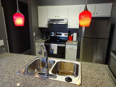 Photo for WEEKDAY DISCOUNTS!! Pointe Royale amenities!! Romantic condo on the golf course