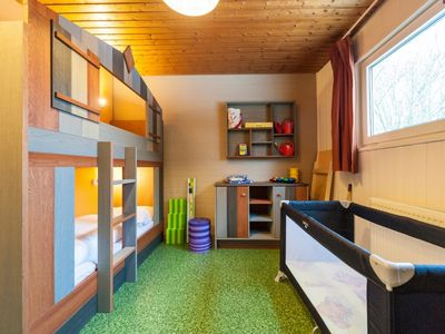 Photo for Bungalow in the holiday park Landal Hochwald - Indoor swimming pool with paddling pool