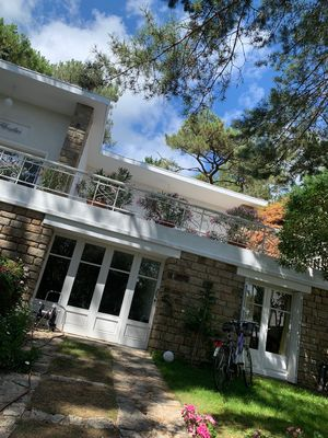 Photo for Villa in the pine forest 400 m from the beach