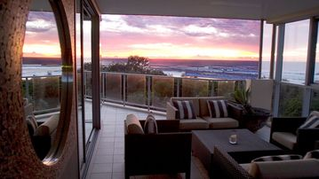 BALE @ KINGSCLIFF *LUXURY PENTHOUSE