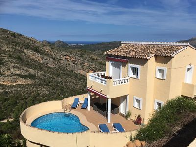 Photo for Detached villa 5 p, private swimming pool, located between Denia and Javea, air conditioning, WiFi