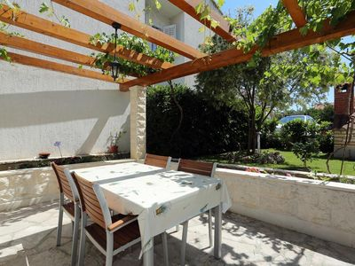 Photo for Two bedroom apartment with terrace Supetar (Brač)