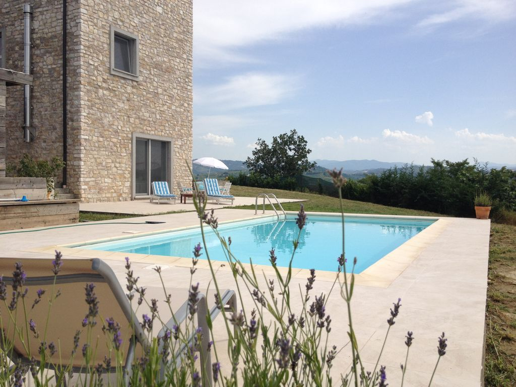 Villa panoramica di montarco affitto villa cella for Piano di piscina