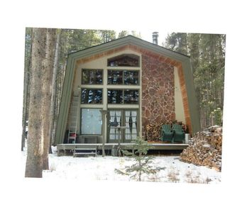 Photo for Tasteful Home on 1 Acre - 5 Minutes to Lifts!