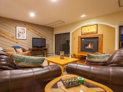 Photo for Homey Mountain Condo, Great for Entertaining -  HT - Grills - Disc Lift Tix Avail