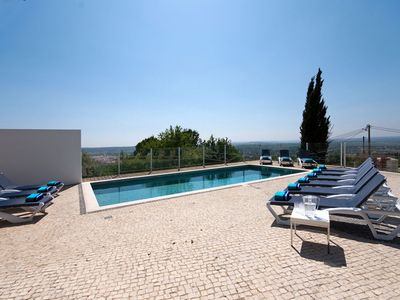 Photo for 5 bedroom Villa, sleeps 10 in Gateiras with Pool and WiFi