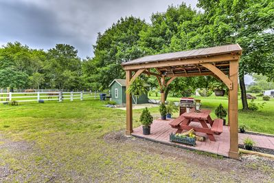 Up to 8 guests can spend a splendid getaway at this vacation rental farmhouse.