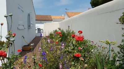 Photo for Villa - 6 People - Garden - Terrace - Beach - Sainte Marie de Ré - Ile de Ré