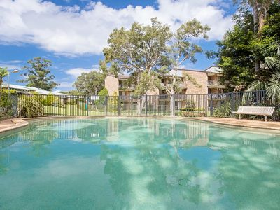 Photo for 23 'Bay Parklands', 2 Gowrie Avenue - Little Beach, air con, Pool & tennis court