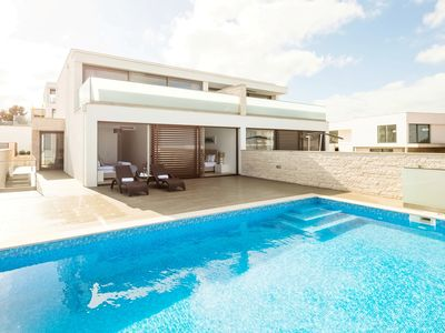 Photo for 4BR Villa Vacation Rental in Atalaia, Leiria