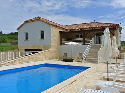 Photo for 4BR Villa Vacation Rental in Prayssac