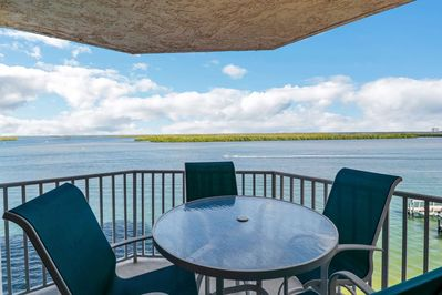 Enjoy meals, drinks, and an unobstructed, panaramic view of the Estero Bay as far as the eye can see from the 5th floor balcony.