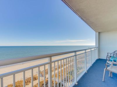 Beautiful oceanfront condo with spectacular views wifi and pool