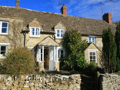 Photo for 2BR Cottage Vacation Rental in CIRENCESTER, Cotswolds