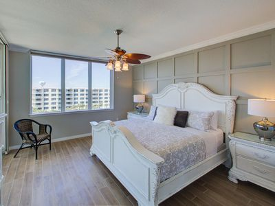 Photo for Osprey PH-06 ~ End Unit 3BR Penthouse ~ Private Rooftop Hot Tub & BBQ ~ 2018 Remodel!