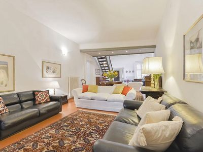 Photo for Spacious Ginevra  apartment in Duomo with WiFi, integrated air conditioning, balcony & lift.