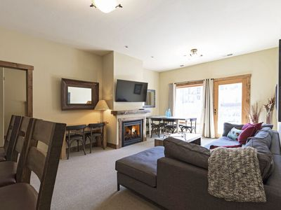 Photo for 4 bedroom ski condo at Whitefish Mountain Resort (AC for hot summer days)