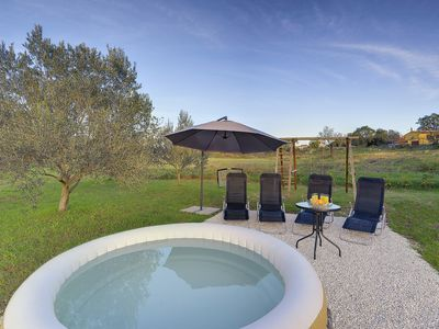 Photo for Sunny holiday home with Wi-Fi, climate, terrace, barbecue near the beaches and towns of Istria