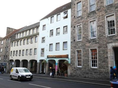 Photo for 1 bed in the heart of Edinburgh's Old Town