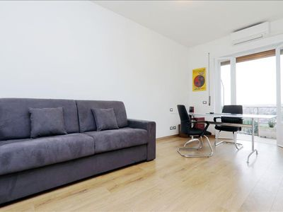 Photo for Modern 1bdr apt with balcony