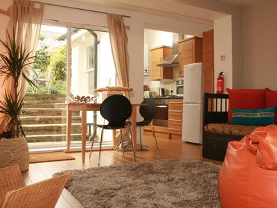 Photo for Islington Boutique Urban Chic. Spacious 5-Bed. Free Wifi. Zone 1&2. Train 3 mins
