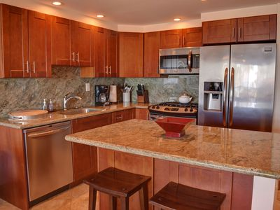 Photo for Elegantly Decorated and Beautifully Furnished Maui Condo