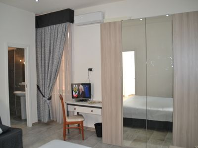 Photo for Rooms in B&B in the Chiaia area, 400mt from Metro and 500mt from the caracciolo promenade