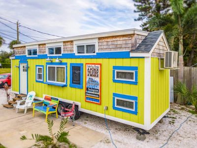 Photo for Tiny House Margarita - A bright and cheery choice that sleeps 6