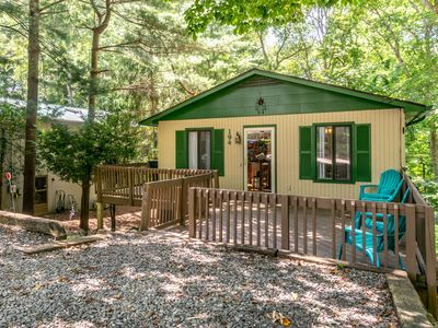 Photo for Comfy and Convenient South Asheville Getaway