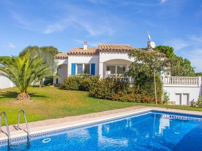 Photo for Fantastic villa with sea view and private swimming pool near the beach