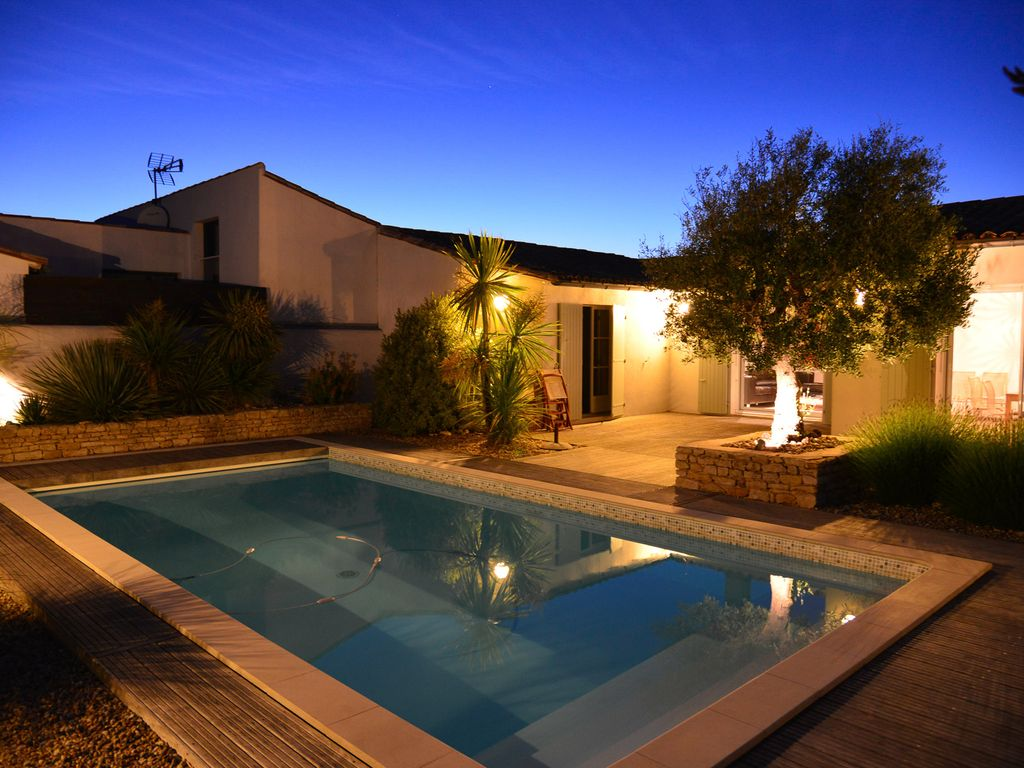 Delightful NEW: 200m From The Sea, Very Nice And Well Maintained Villa, Heated Pool