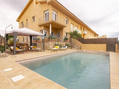 Photo for Cosy apartment for 13 people with WIFI, hot tub, private pool, TV, pets allowed and parking