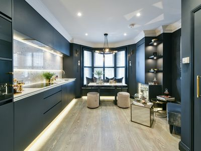Photo for Moody hues and luxury decor |  Glamorous Fulham pied-à-terre
