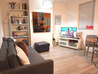 Photo for 1 bed flat near Excel Centre / City Airport / O2 / Docklands - Sleeps 4