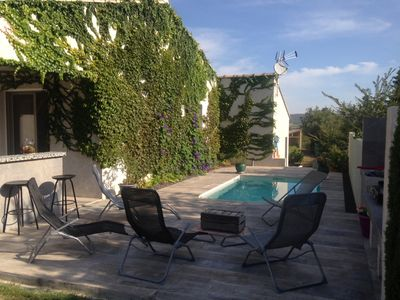 Photo for Villa 4 bedrooms, pool, quiet, river on foot, near Uzès and Pont du Gard
