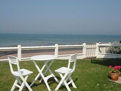 Photo for Sea front apartment on the ground floor, direct access to the beach