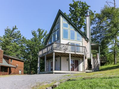 Photo for Tranquil home w/ private hot tub & game room - close to lake access