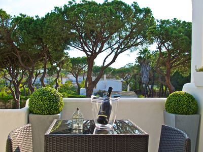 Photo for Fabulous 2 bedroom townhouse close to Quinta do Lago and Vale do Lobo