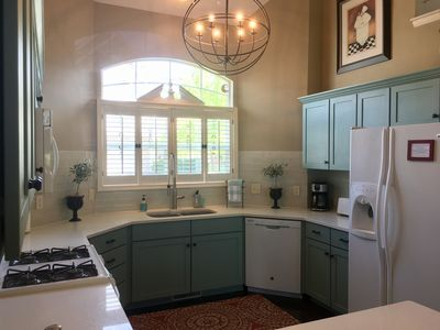 Newly remodeled kitchen, fully appointed