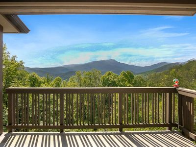 Chalakee Lodge CB-3: Close to High Country Attractions,Gated Resort, Pools, Fitness Rooms, Fishin...