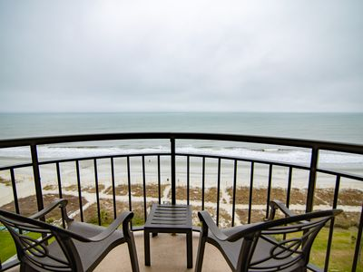 Photo for Large Direct Oceanfront, 1 Bedroom, Sleeps 6, Lowest rate, Central location