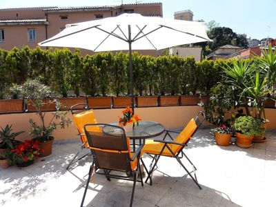 Photo for Trastevere Terrace C3 apartment in Trastevere with WiFi, air conditioning & shared terrace.