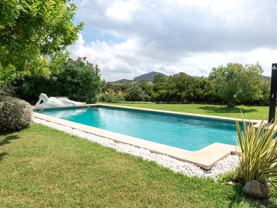 Photo for Private Luxury Villa 10 min from beach, large pool. House with air conditioning.