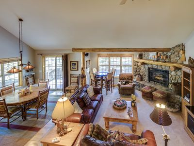 Photo for Fantastic dog-friendly retreat w/private hot tub & balcony, SHARC access!