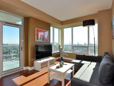 Photo for Spacious2 Bedroom Condo/City&Lake View/FreeParking