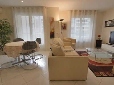 Photo for 3 rooms, sleeps 4 to 5, totally renovated, downtown, 219 yards from the sea