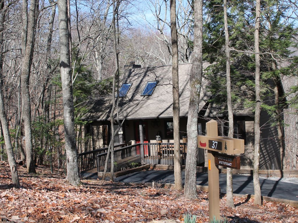 Mountain retreat in big canoe great weekly rates big for Big canoe lodge